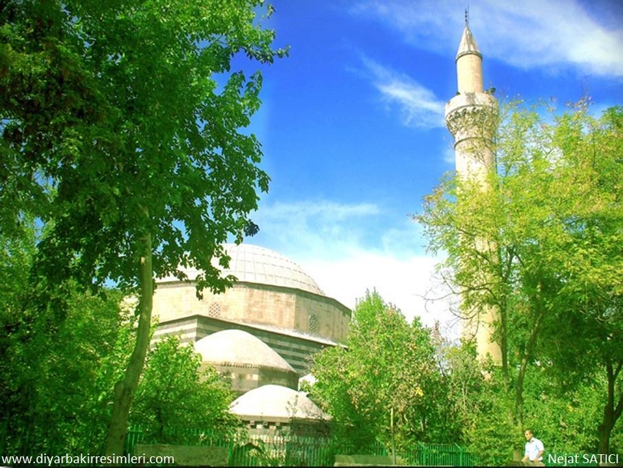 iskenderpasa cami ve minaresi -diyarbakir-fot._nejat_satici