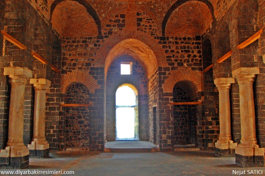 saint george_kilisesi-_diyarbakir-_fot.nejat_satici.jpg