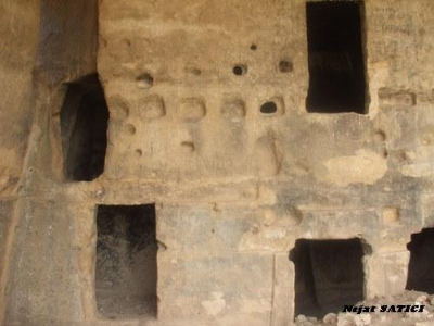 antik_hasun_magara_sehri_kaya_kilisesi-silvan-fot.nejat_satici.jpg