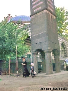 diyarbakir-dortayakli_minare-fot.nejat_satici.jpg