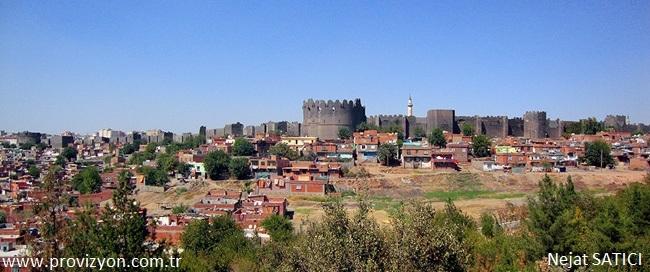 diyarbakir-kalesi-yedikardes_burcu-2-fot.nejat_satici.jpg
