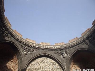 diyarbakir-saint_george_kilisesi-fot.nejat_satici.jpg