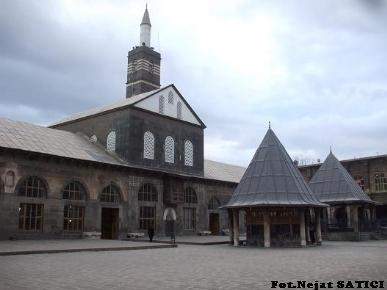 diyarbakir-ulu_cami3-fot.nejat_satici.jpg