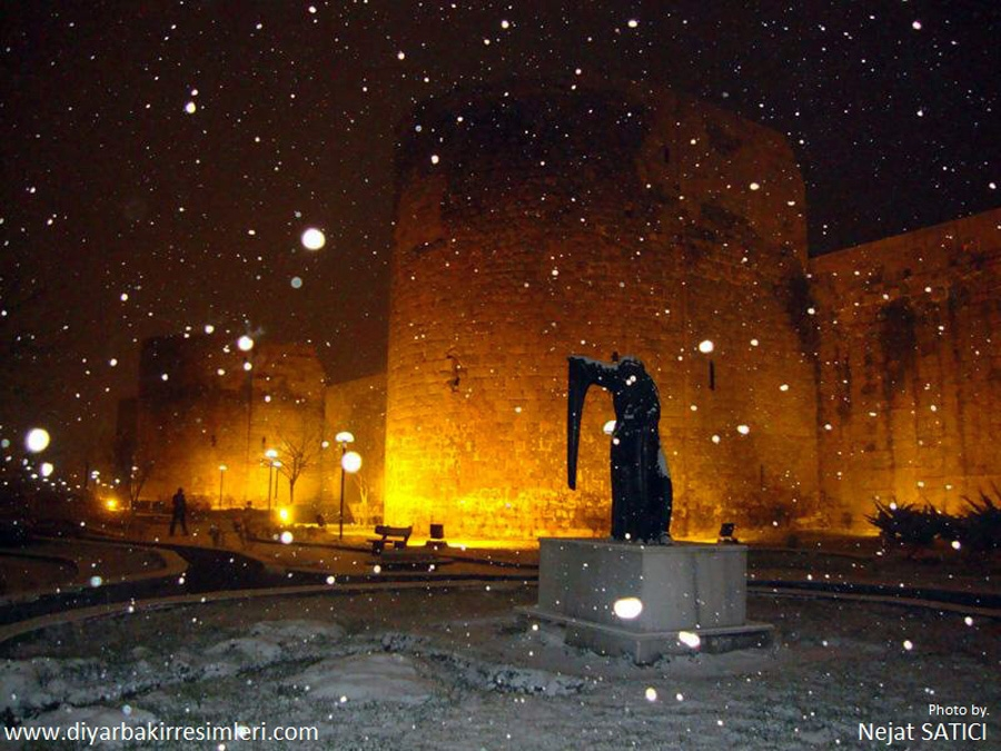 diyarbakir - gece ve kar-fot.nejat satici