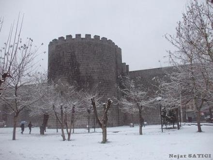 diyarbakirda_kar-fot.nejat satici